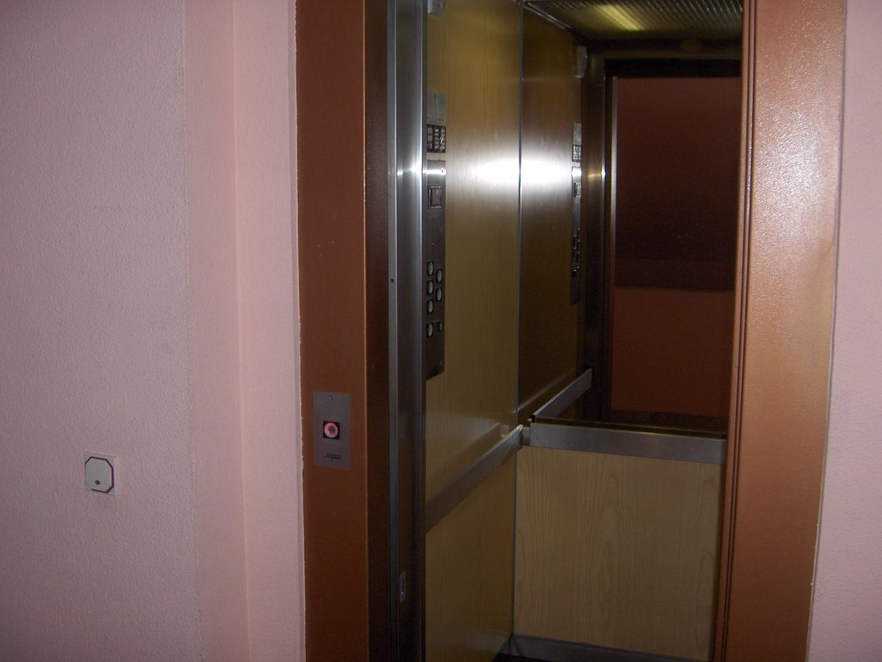 ahorrar en ascensor